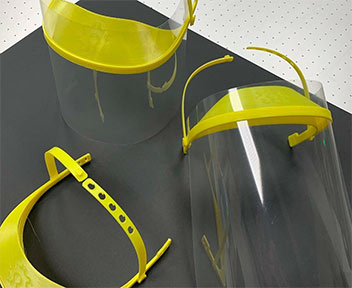 Coronavirus Makers: Pantallas para centros hospitalarios